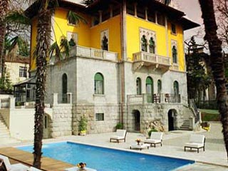 Villa Astra Hotel