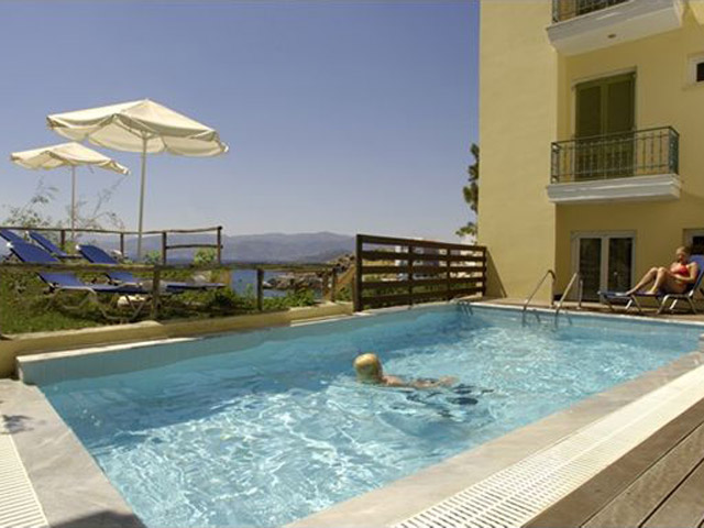 Book Now: Mare Apartments