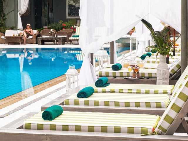 La piscine art hotel 5 stars luxury hotel in for La piscine skiathos