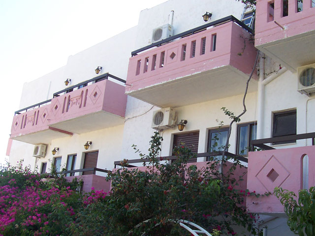 Apokoros Family Hotel Apartments & Studios
