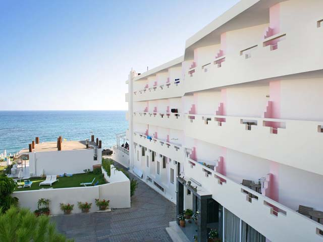 Book Now: Evelyn Beach Hotel