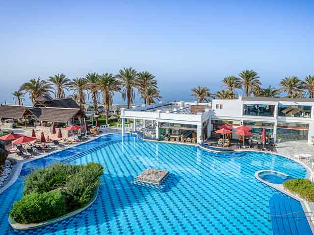 Radisson Blu Beach Resort